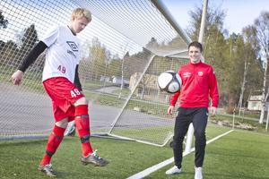 HuFF:s anfallsduo Joel Stillmark och Pelle Lööf gjorde två mål var i premiären.