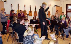 -- Jag är själv imponerad, sa musikläraren Bo Alvemark om elevernas prestationer.