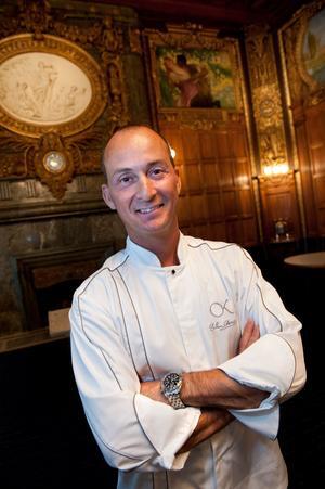Stefano Catenacci har lagat mat till både kungligheter och nobelpristagare, men lagar lika gärna avspänd enkel sommarmat. Helst italiensk sådan.