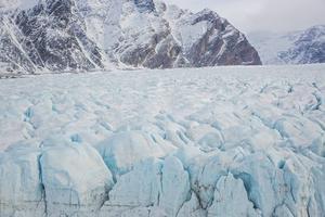 Isen i Arktis smälter fortare än man hittills beräknat.