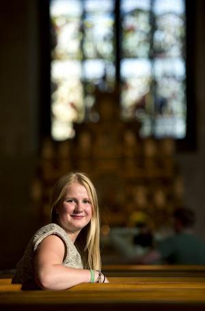 Men nästa val måste ungdomarna få höras och synas, anser Emma Ronquist, 17 år. Hon är kritisk mot Svenska kyrkans sätt att sköta kyrkovalet. Kyrkan måste bli mycket bättre på att tala om vad man påverkar genom att rösta, säger Emma.