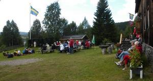 Med musik och tal firades att Frostvikens hembygdsgård fyllde 70 år.Foto: BO Lydén