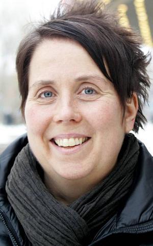 Helene Håkansson, 46 år, Östersund:– Ja, ett. Antingen i längdåkningen, skidskyttet eller alpint. Svenskarna brukar vara bra i ishockey så de tar nog medalj både på herr- och damsidan.