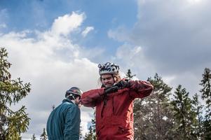 Jonas Kurkinen och Magnus Östgren efter grottkrypningen.