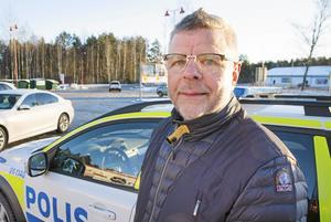 Ica-handlaren Mats Andersson dagen efter stöldkuppen mot hans butik där en större mängd postpaket stals.