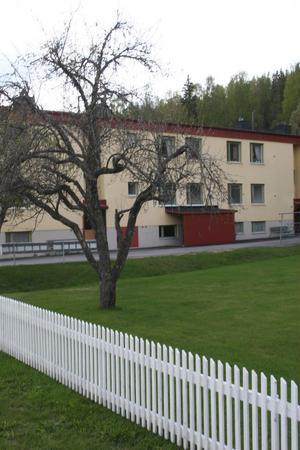 Centrumhuset i Hassela ska stå kvar anser planberedningen