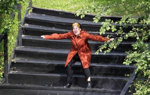 Mikaela Pålsson är en ny bekantskap som imponerar. Här som Svetlana Barralova.