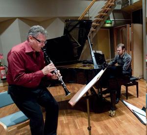 Först ut i höst bland kammarkonserterna är Kjell Fagéus, klassiskt skolad klarinettist och Adam Forkelid, jazzpianist och kompositör med Två världar, ett möte.