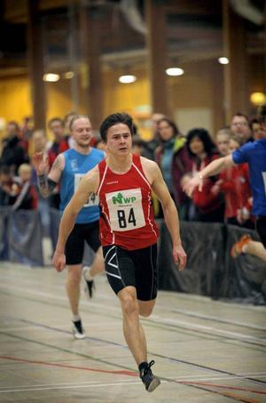 Oscar Lindberg var som väntat överlägsen i äldsta klassen över 60 meter och rekordsänkte till 7,01.