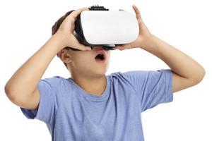 VR-glasögon förväntas ligga i många tomtesäckar i år. Foto: Shutterstock
