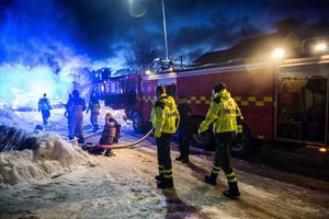 Mycket räddningspersonal var på plats i Själevad.