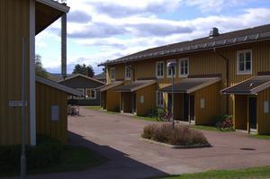Det råder bostadsbrist i Älvdalen. Både vad det gäller hyreslägenheter och villor. Bilden är från Dikeskanten.