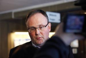 Oppositionsrådet Per Wahlberg (M) och hans kamrater i Vårdalliansen vill utreda en privatisering av Sollefteå sjukhus.