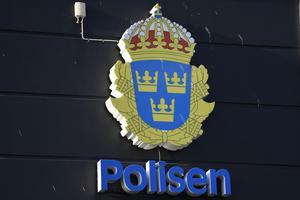 Denna skyltning vill skribenten ha på fler ställen i Södertälje. Det betyder att Polisen har fler stationer. Foto: Mikael Fritzon/TT