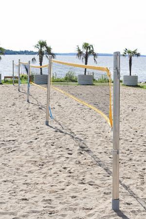 Volleyboll. Lögarängen är ett bra ställe att umgås på.Foto: Martin Bohm