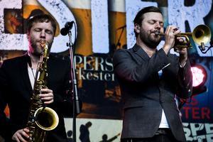 En härlig av pop, soul, jazz och visor är det som bjuds på när Bo Kaspers orkester gästar scenen.