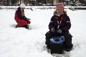 Fiskade för första gången gjorde Ida och Emma Stenback rån Sollerön.
