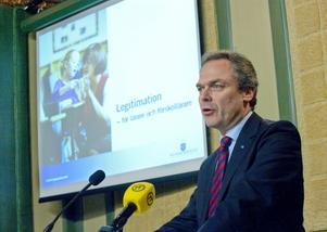 Efterlängtat besked. Utbildningsminister Jan Björklund (FP) presenterade igår förslaget att införa en lärarlegitimation. FOTO: SCANPIX
