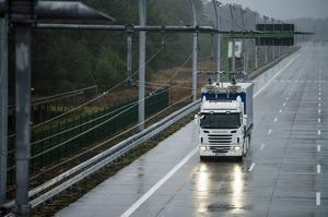 SSAB hoppas på bättre exportmöjligheter med en elväg till Gävle hamn eftersom järnvägen är full