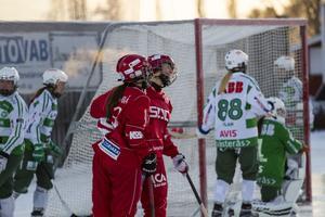 Leenden efter att Söråker reducerat Västerås ledning. Men sedan drog gästerna ifrån och vann stort.