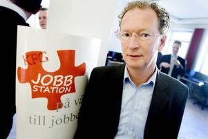 chef i februari. Mikael Lundén kommer att vara chef för jobbstationen i Gävle. Han börjar dock först i februari.