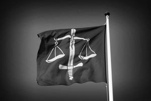 Politik är politik, juridik är juridik.