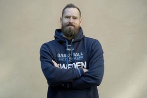 Tom Lidén spelar numera i Luleå, men kom fram genom Södertälje och fick sitt stora genombrott i Sundsvall Dragons.