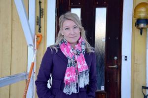 Förra våren köpte Elin Olofsson ett hus i Bredbyn, Offerdal. Där har hon tillbringat mycket tid med att skriva sin kommande roman.