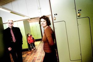Vill lägga ned Lugnet. Moderaterna Anders Samuelsson och Anna Romelin lanserar ett nytt förslag om att lägga ned huvuddelen av utbildningen på Lugnetgymnasiet och samla resurserna på Haraldsbo- och Kristinegymnasiet. Foto:LarsDafgård