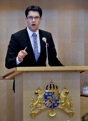 Centerextrem. Sverigedemokraterna är extrema i väreringsfrågor men i mitten när det handlar om ekonomi och fördelning.foto: Scanpix