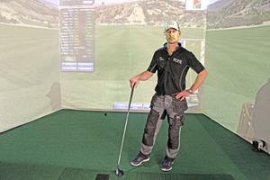 Som sann golfentusiast konstaterar Patrik Lindström att golfsimulatorn är tillräckligt avancerad för att ha som tränings- och utbildningsinstrument för riktiga golfare.