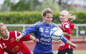 Sanna Lööw Ohlson och Madde Pettersson gjorde det jobbigt för serieledande Östersund.