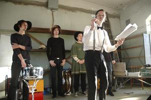 Gruppen Ad Hoc berättade Bergslagens historia med hjälp av ord och toner och drog ner flera spontana applåder under sitt framträdande.