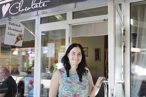 Foto: Lilly HallbergSusanne Pontvik och de andra på Café Chocolate har dragit igång höstens kulturprogram.