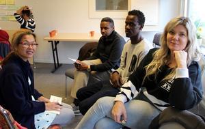Från vänster Subhattraporn Sriwichai, Mohamad Farah, Abas Ahmed och Angelica Andersson. En av grupperna.