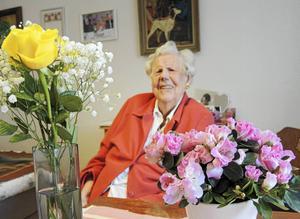 Gunvor Nord från Säter fyller i dag den 10 februari 104 år. Hon minns uppväxtåren i Säter och de många profiler som då bodde där.