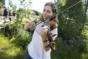 – Jag upptäckte svensk folkmusik i England genom en vän och blev bara helt besatt, säger violinisten Bridget Marsden.