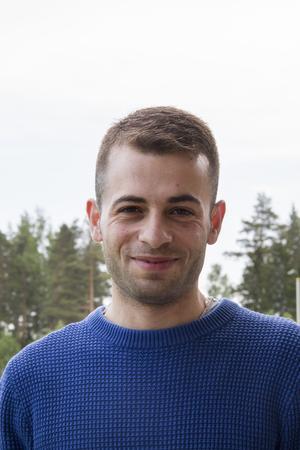 Aiham Kousha jobbar på HVB-hem i Stråtjära
