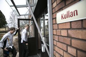 Paret bor på skolområdet vid elevhemmet Kullan.