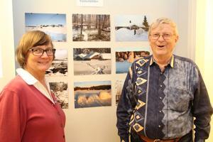 Ann-Christin Jäderholm är utställningens kompositör. Hon ocg Sven Norman berättade om intentionerna bakom naturskyddsföreningens första stora fotoutställning med 160 bilder.
