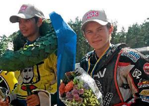 Jonatan Grahn på pallen förra året efter att indiantalangen blivit trea i USM-finalen i Hallstavik som vanns av Masarnas Philip Hellström Bängs.
