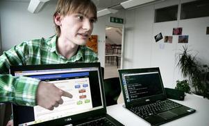 Emil Segerbäck kommer om några veckor att tävla i programmeringsolympiadens final i Linköping.