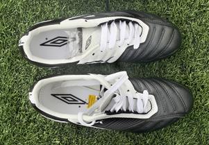 pretty nice a4440 ddb77 Visa bildtext Dölj Adidas Adipure IIFinns i både svart och vitt och har  kallats den nya Copa Mundial.Pris 1 100 kronor