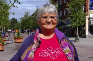 Var ska jag sova. Maj-Britt Halling är på besök i Rättvik och har svårt att hitta parkeringsplats.