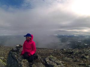 Alexandra Olofsson njuter av utsikten.