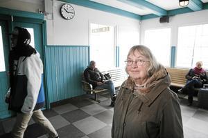 Margareta Arvidson saknar biljettautomaten i Leksands resecentrum.