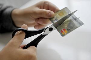 """Med den nya skuldsaneringslagen ska fler """"evighetsgäldenärer"""" få möjlighet till skuldsanering."""