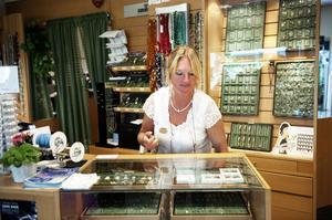 Yvonne Rudolph som äger Juvelen i Falun säger att guld är en bra investering.