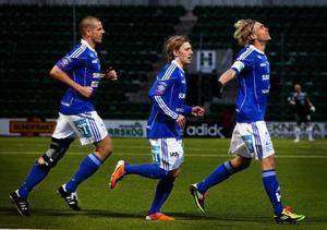 Pontus Engblom satte GIF Sundsvalls enda mål i hemmapremiären. Den gången slutade det ändå med förlust. I går stod anfallaren för ytterligare ett mål på Norrporen Arena – då han satte 2–0 och gratulerades av bland andra Christian Brink och Emil Forsberg. Den här gången fick Engblom också fira en seger efteråt.