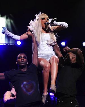 En av världens hetaste stjärnor på Stortorget? Ja, på lördag tar Lady Gaga över scenen och med tanke på hennes tidigare uppträdanden kan vi nog förvänta oss en riktig show.